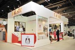 Pavilhão de Fausti na exposição 2013 de Abu Dhabi International Hunting e do cavaleiro Foto de Stock Royalty Free