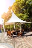 Pavilhão do parque com luz solar Foto de Stock Royalty Free