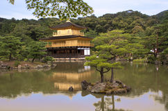 Pavilhão dourado em Kyoto Foto de Stock Royalty Free
