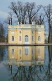 Pavilhão e reflexão Imagens de Stock Royalty Free
