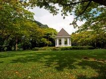 Pavilhão em jardins botânicos Fotos de Stock Royalty Free