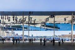 Pavilhão espelhado simples criado por Norman Foster imagem de stock royalty free