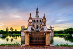 Pavilhão na água Fotografia de Stock Royalty Free