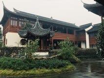 Pavilhão na frente da casa Imagem de Stock