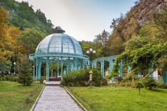 Pavilhão na paridade central de Borjomi, Geórgia foto de stock