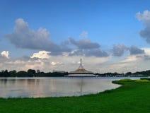 Pavilhão no parque público de Suan Luang RAMA IX, Banguecoque de Ratchamangkala, Tailândia Fotografia de Stock
