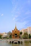 Pavilhão tailandês na água Foto de Stock