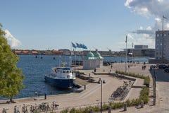 Pavilhões na frente da autoridade portuária foto de stock