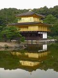 Pavilhão dourado japonês Fotos de Stock Royalty Free