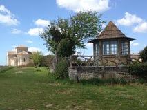 Paviljoen en kerk Stock Afbeeldingen