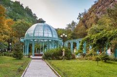 Paviljoen in het centrale pari van Borjomi, Georgië stock foto