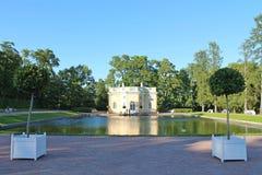 Paviljoen Hoogste Bad Het park van Catherine Pushkinstad royalty-vrije stock foto's