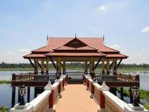 Paviljoen in pool royalty-vrije stock fotografie