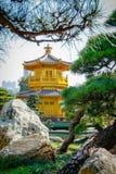 Paviljong av absolut perfektion Lotus Pond Fotografering för Bildbyråer
