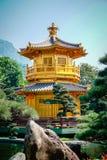 Paviljong av absolut perfektion Lotus Pond Arkivbild