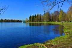 Paviljong av Venus och sjön Beloe Gatchina petersburg russia st Royaltyfri Fotografi