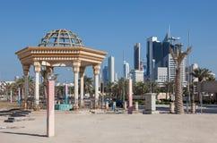 Paviljong på cornichen i Kuwait Arkivfoto