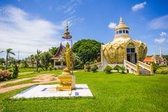 Paviljong pengar) (slagträBo för helig fader Wat Yang Khoi Kluea på Phichit Thailand royaltyfria bilder