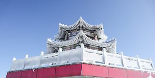 Paviljong upptill av Tianmen, djupfryst byggnad arkivbild