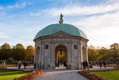 Pavillion σε Hofgarten το μεσημέρι μέσα Στοκ Φωτογραφίες