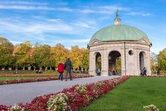Pavillion на Hofgarten в полдень внутри стоковое фото