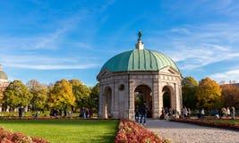 Pavillion на Hofgarten в полдень внутри стоковое изображение