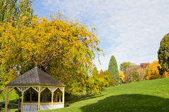 Pavillion in den Gärten Stockfotos