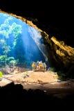 Pavillion en la cueva, Tailandia Fotografía de archivo libre de regalías