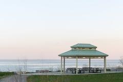 Pavillion nära Oakville på Lake Ontario med härlig pastell c Arkivfoton