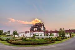 Pavillion real Ho Kam Luang em Rajapruek real, Chiang Mai, Tailândia foto de stock royalty free