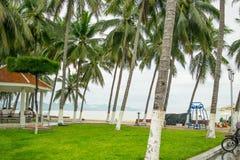 Pavillon à un parc de bord de mer à la station de vacances de Nha Trang, Vietnam Images stock