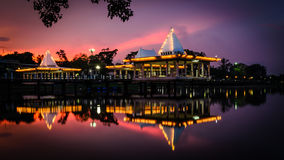 Pavillon auf dem See Stockfotografie