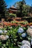 Pavillon chinois dans le jardin Truc Lam Da Lat Zen Monastery - temple bouddhiste vietnamien - Dalat photo stock