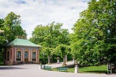 Pavillon chinois dans le palais de Drottningholm un jour ensoleillé d'été Stockholm, Suède image libre de droits