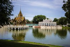 Pavillon d'Aisawan-Dhipaya-Asana au palais d'été Photographie stock libre de droits