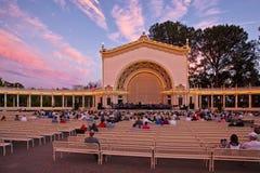 Pavillon d'organe de Spreckels au coucher du soleil, parc de Balboa, San Diego, la Californie Image stock