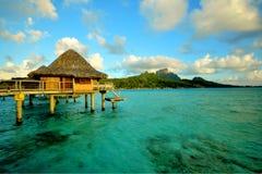 Pavillon d'Overwater en Bora Bora images libres de droits