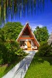 Pavillon dans l'hôtel à la plage tropicale, Seychelles Images stock