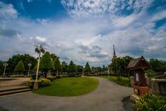 Pavillon dans le jardin photo libre de droits