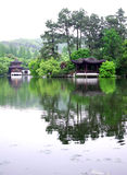 Pavillon dans le lac occidental Hangzhou image stock