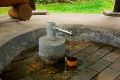 Pavillon de ressort d'eau minérale Glauber II -› kovy de znÄ de ¡ du ¡ LÃ de FrantiÅ Images stock