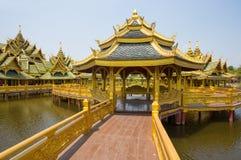 Pavillon du éclairé en parc de ville antique, Muang Boran, province de Samut Prakan, Thaïlande images stock