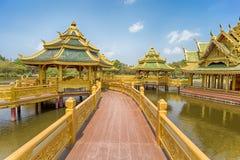 Pavillon du éclairé en parc de ville antique, Muang Boran, province de Samut Prakan, Thaïlande photo stock