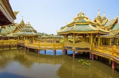 Pavillon du éclairé en parc de ville antique, Muang Boran, province de Samut Prakan, Thaïlande photographie stock