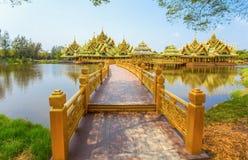 Pavillon du éclairé en parc de ville antique, Muang Boran, province de Samut Prakan, Thaïlande photos libres de droits