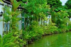 pavillon en parc botanique Images libres de droits