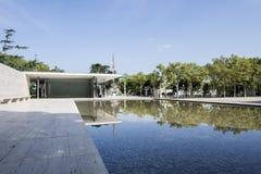 Pavillon et eau de Barcelone Image libre de droits