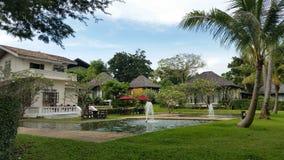 Pavillon et piscine thailand Photo stock