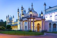Pavillon royal à Brighton la nuit, Angleterre images libres de droits