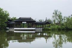 Pavillon sur l'eau Photos stock
